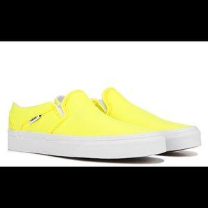 Vans Women's Asher Slip Ons in Neon Yellow Size 9